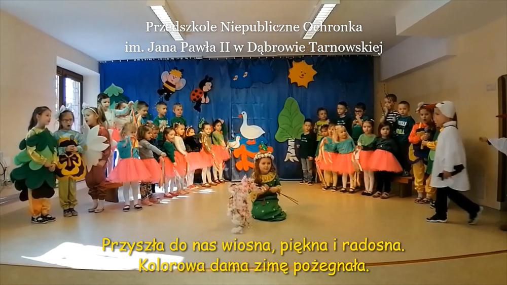 Ochronka JPII Powitanie wiosny na wspólną nutę w dąbrowskiej bibliotece