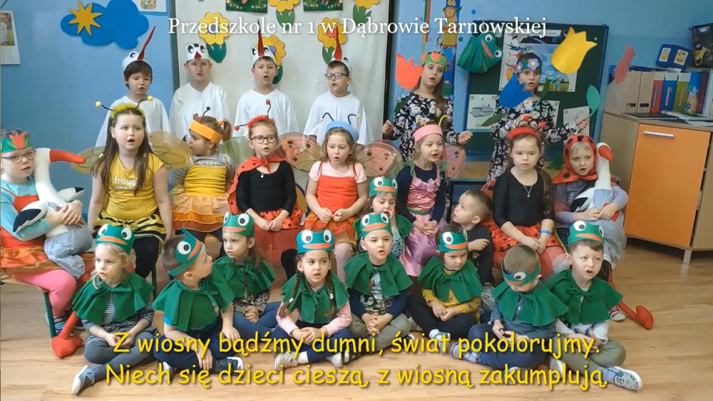 Przedszkole nr 1 Powitanie wiosny na wspólną nutę w dąbrowskiej bibliotece