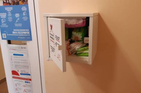 Punkt pomocy okresowej 02 Mała szafka wielkiej pomocy w Miejskim Ośrodku Pomocy Społecznej i Wsparcia Rodziny