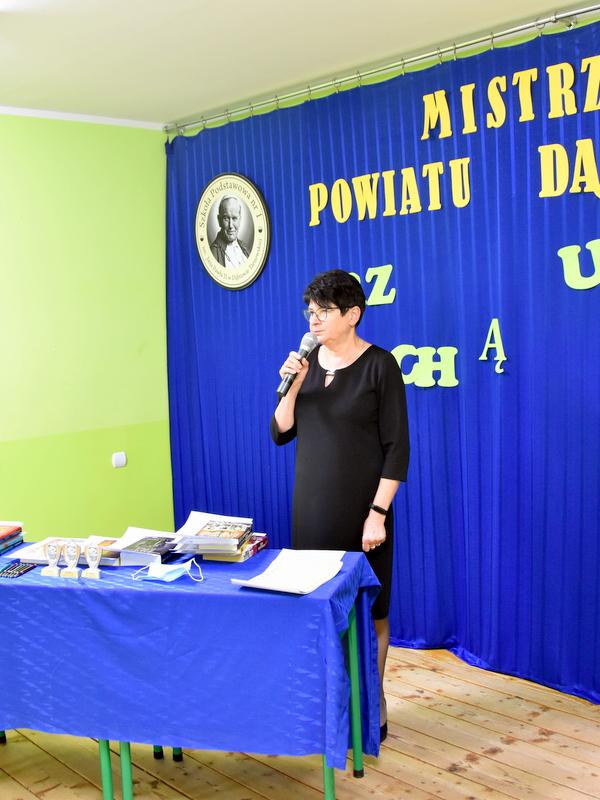DSC 0038 Mistrzowie ortografii w powiecie dąbrowskim z nagrodami