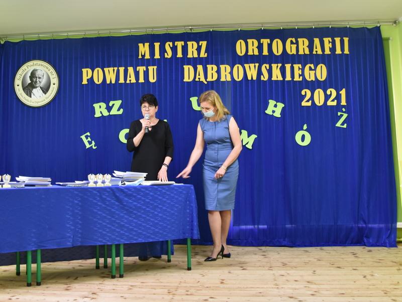 DSC 0041 Mistrzowie ortografii w powiecie dąbrowskim z nagrodami