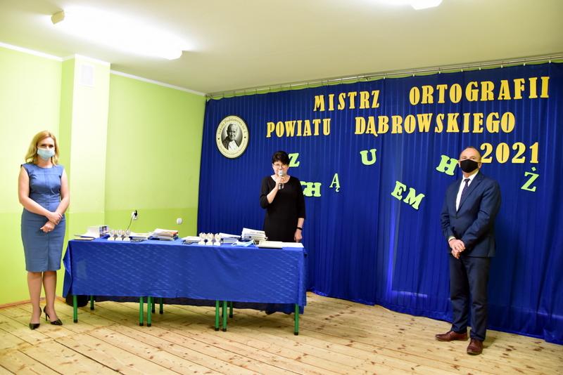 DSC 0052 Mistrzowie ortografii w powiecie dąbrowskim z nagrodami