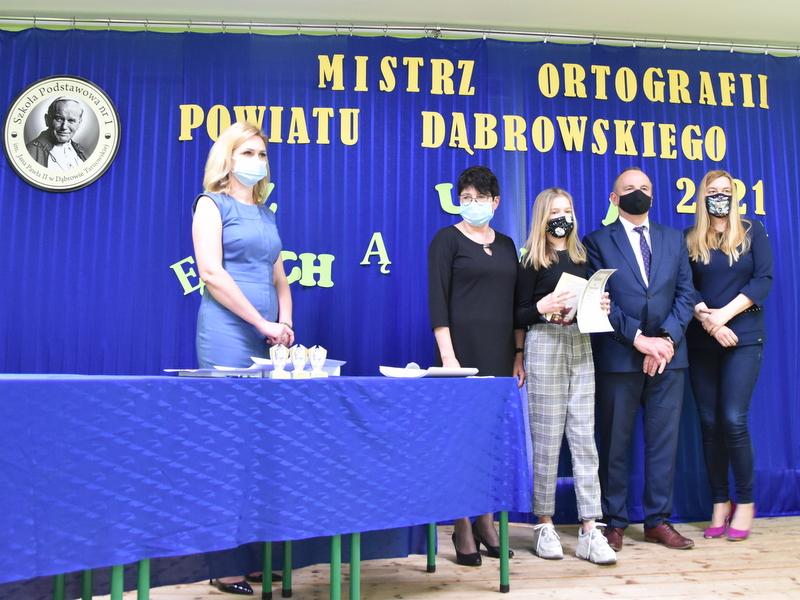 DSC 0091 Mistrzowie ortografii w powiecie dąbrowskim z nagrodami