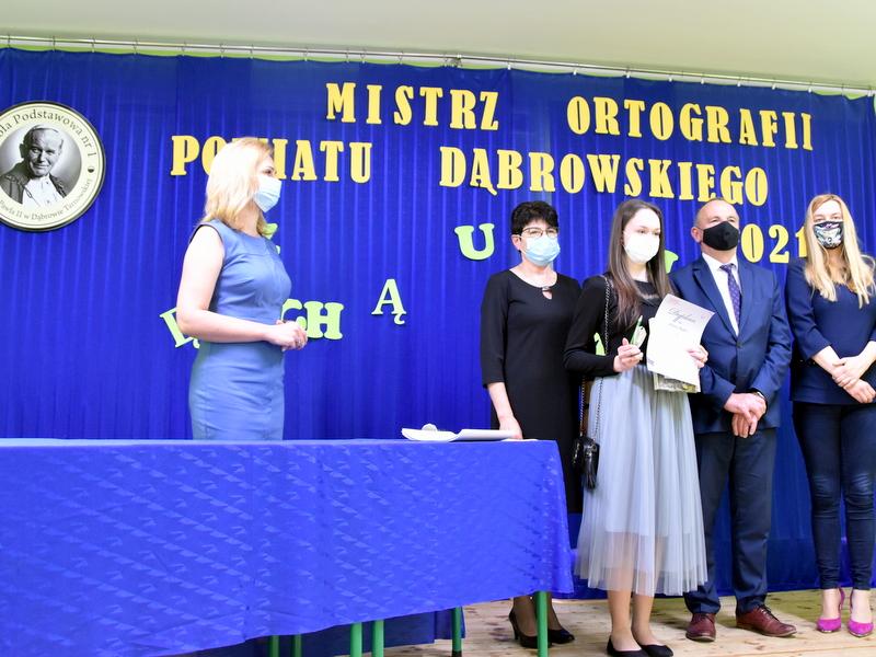 DSC 0096 Mistrzowie ortografii w powiecie dąbrowskim z nagrodami