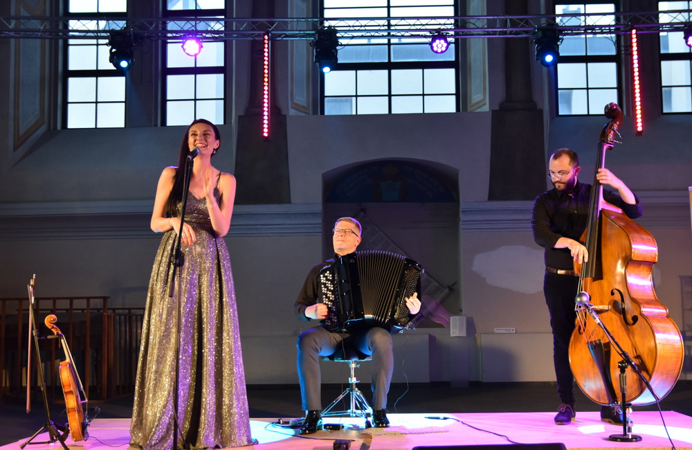 """koncert Klezmorim Trio 2021 OSKDT 6 Niezapomnianie chwile z """"Klezmorim Trio"""" w dąbrowskim OSK"""