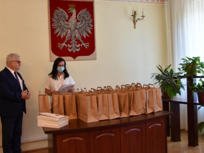 DSC 0260 Uroczystość wręczenia stypendiów Burmistrza Dąbrowy Tarnowskiej