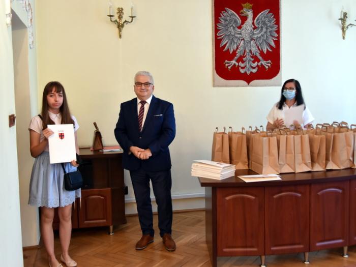 DSC 0269 Uroczystość wręczenia stypendiów Burmistrza Dąbrowy Tarnowskiej