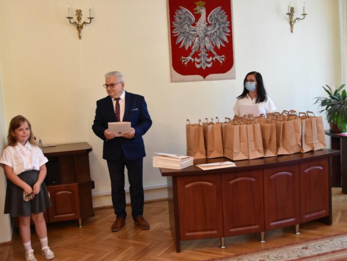 DSC 0287 Uroczystość wręczenia stypendiów Burmistrza Dąbrowy Tarnowskiej
