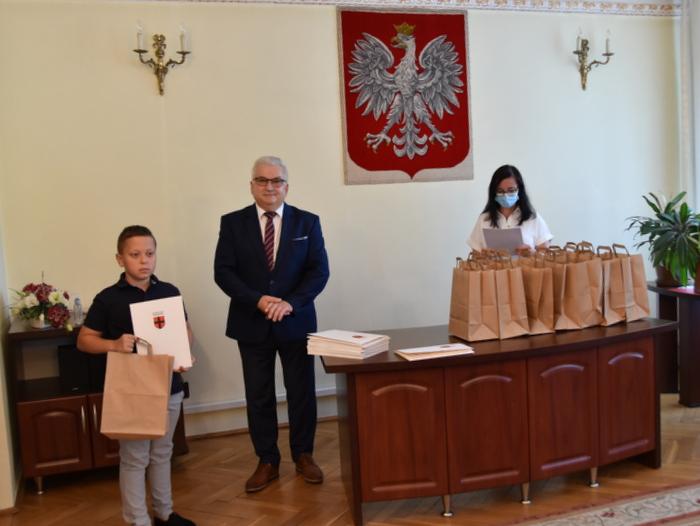 DSC 0300 Uroczystość wręczenia stypendiów Burmistrza Dąbrowy Tarnowskiej