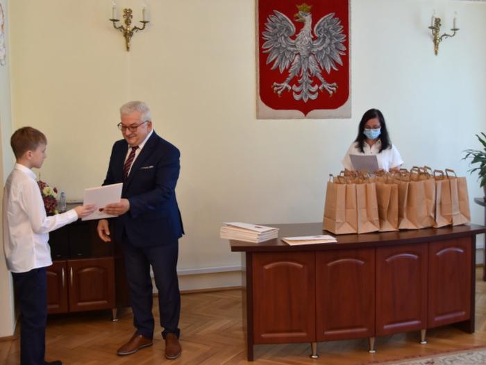 DSC 0310 Uroczystość wręczenia stypendiów Burmistrza Dąbrowy Tarnowskiej