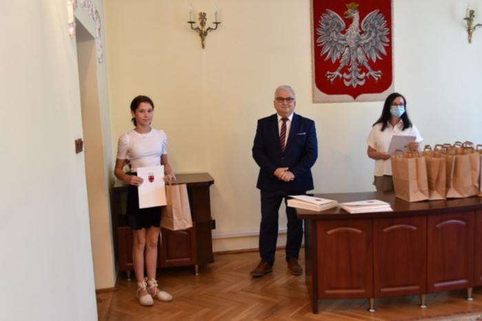 DSC 0325 Uroczystość wręczenia stypendiów Burmistrza Dąbrowy Tarnowskiej