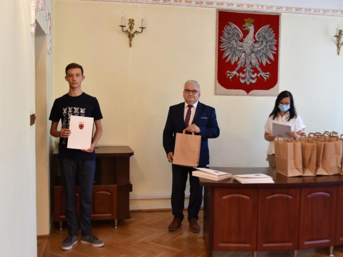 DSC 0333 Uroczystość wręczenia stypendiów Burmistrza Dąbrowy Tarnowskiej