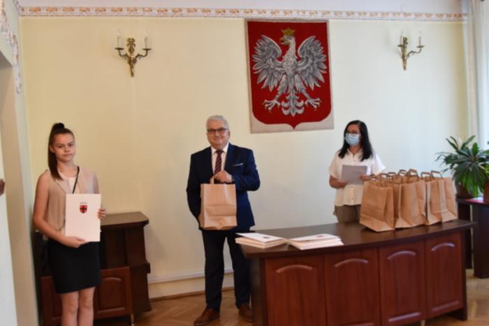 DSC 0344 Uroczystość wręczenia stypendiów Burmistrza Dąbrowy Tarnowskiej