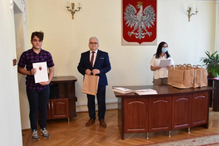 DSC 0355 Uroczystość wręczenia stypendiów Burmistrza Dąbrowy Tarnowskiej