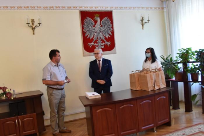 DSC 0365 Uroczystość wręczenia stypendiów Burmistrza Dąbrowy Tarnowskiej