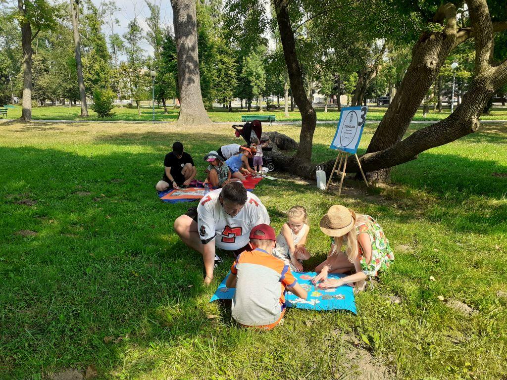 Rodzinna Gra Miejska w MBP 1 Rodzinna Gra Miejska w dąbrowskiej Bibliotece