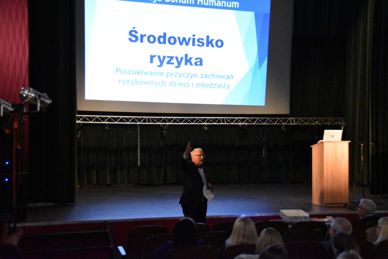 DSC 0556 Gminna konferencja Profilaktyka uzależnień wśród dzieci i młodzieży (ze szczególnym uwzględnieniem problemów alkoholowych)