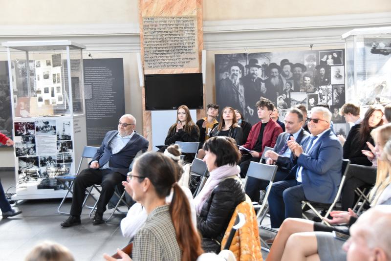 Upamiętnienie wywozy Żydów DT2021 16 Upamiętnienie tragicznych wydarzeń w historii miasta