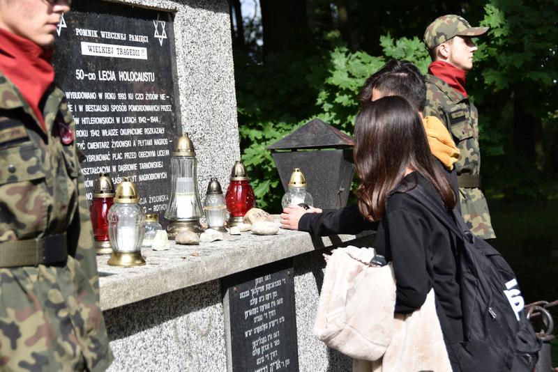 Upamiętnienie wywozy Żydów DT2021 6 Upamiętnienie tragicznych wydarzeń w historii miasta