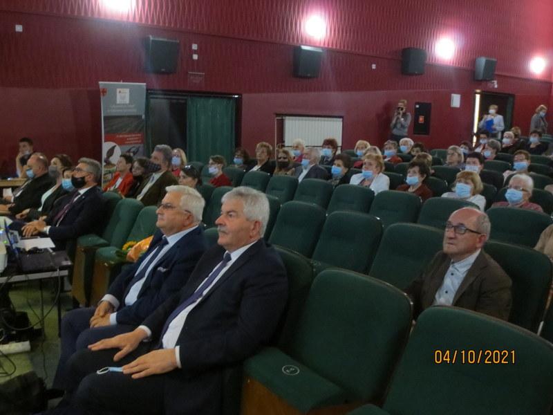 Kopia 005 Jubileusz X lecia Stowarzyszenia Uniwersytet Trzeciego Wieku przy Dąbrowskim Domu Kultury
