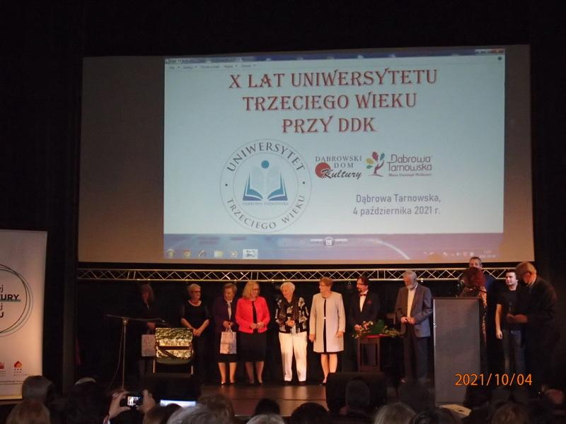 UTW 11 Jubileusz X lecia Stowarzyszenia Uniwersytet Trzeciego Wieku przy Dąbrowskim Domu Kultury